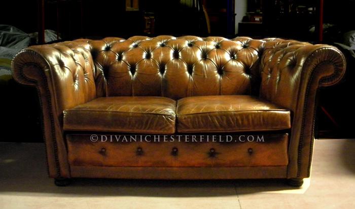 Divano chester divani chesterfield poltrone chester for Divani usati milano